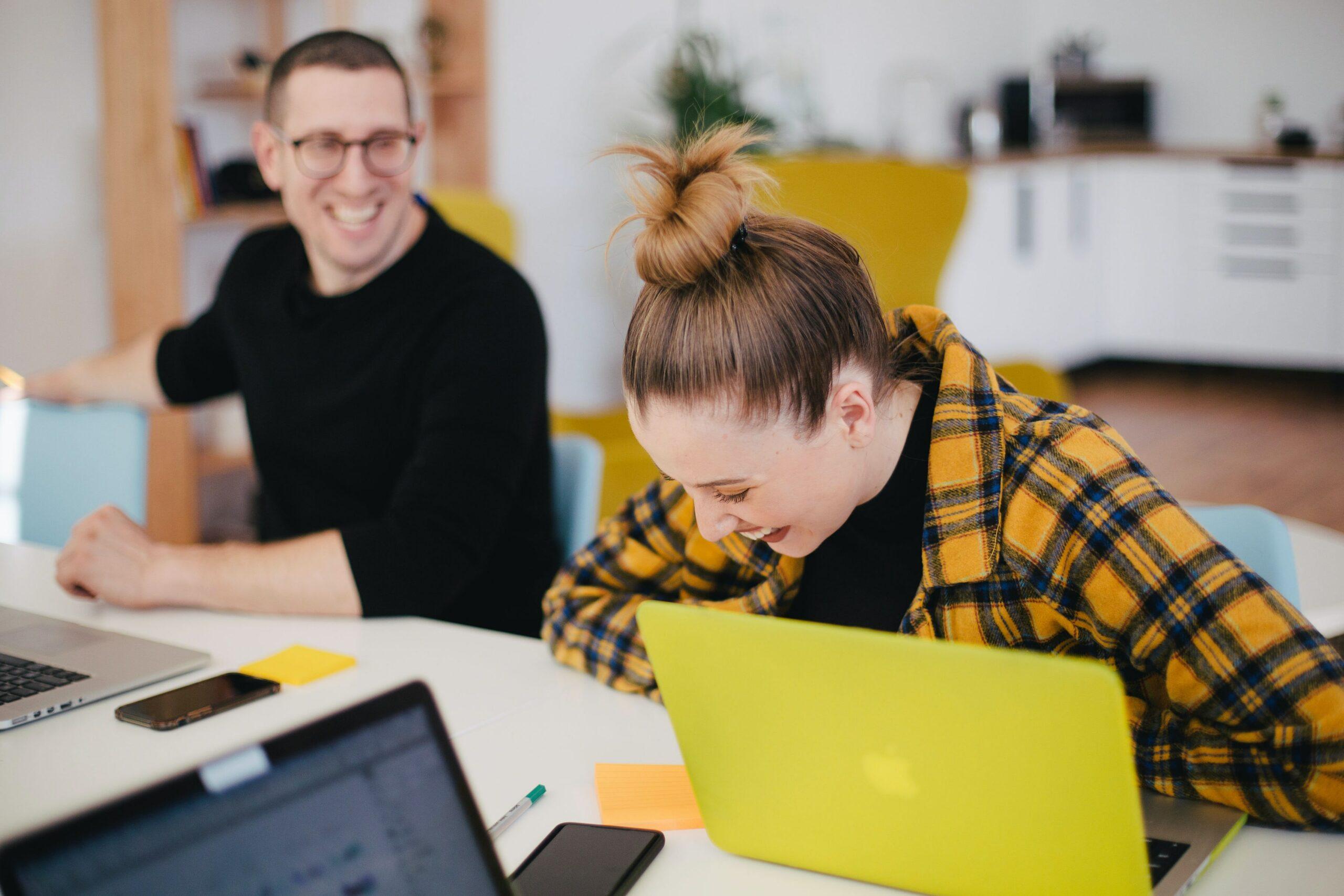 Hvad laver ledelsen, når medarbejderne bestemmer?